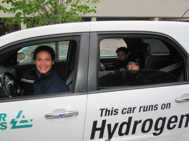 40423103-hydrogen car 005